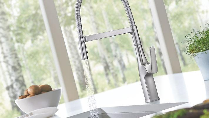 blanco-kitchen-faucet-rivana-semipro.jpg