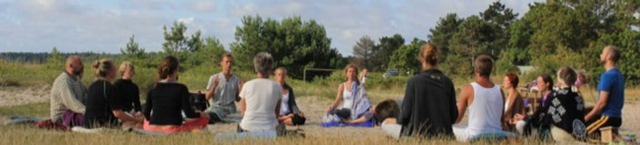 meditation-retreat_edited.jpg