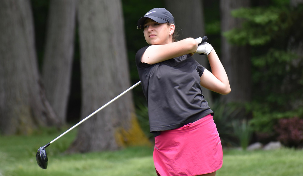 Jessica Hang rips a drive during her playoff victory at Avalon Lakes.