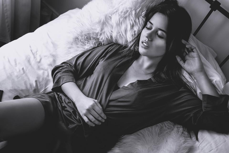 lifestyle boudoir black and white portra