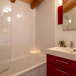 Myrtille Bathroom