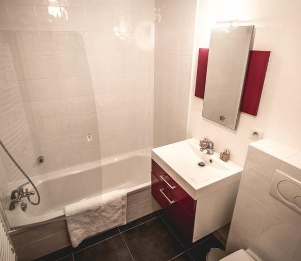 5 Bathrooms
