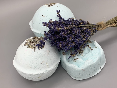 Lemon & Lavender bath bombs by craftedco