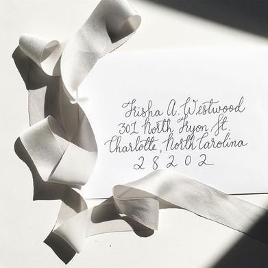 Monoline script envelopes