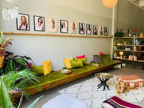 youga-lounge.JPG