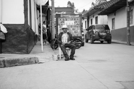 A Man and His Rifle - Salento, Coloumbia 2015