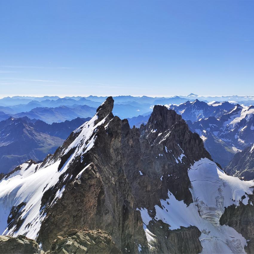 Les arêtes vues du sommet