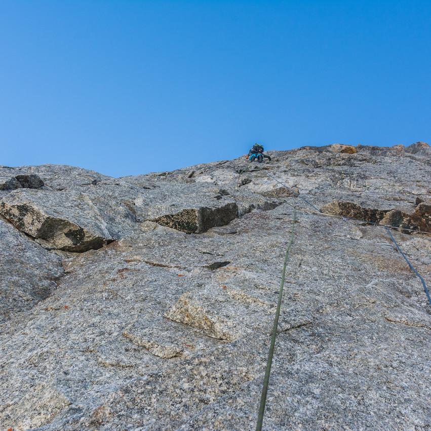 Ce beau rocher compact