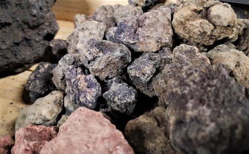 ブラック溶岩石SSサイズ