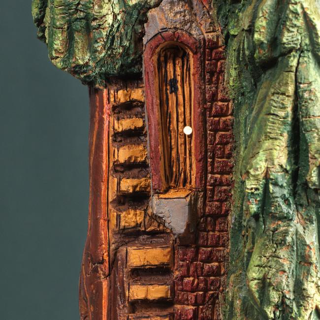 LJC-Tree_House-Close_Door.jpg