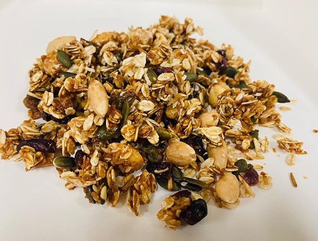 Who doesn't love granola with yogurt? Tr