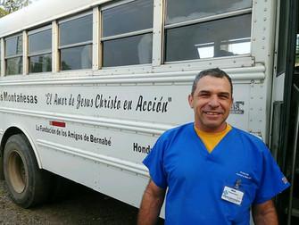 Sus Manos visits a new community, Agua Blanquita