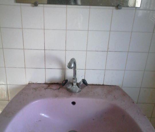 Lavabo avant nettoyage