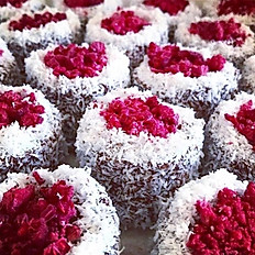 RASPBERRY LAMINGTON CHIA PUDDING