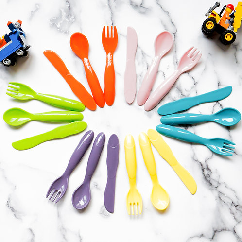 Youngever 9 Set Plastic Toddler Utensils, Kids Forks Kids Spoons, BPA Free