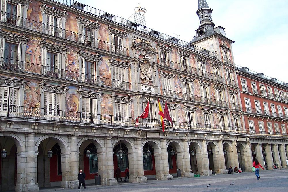 fotografía plaza mayor de Madrid.jpg
