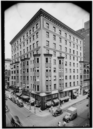 1940 photo of the St. Nicholas Hotel