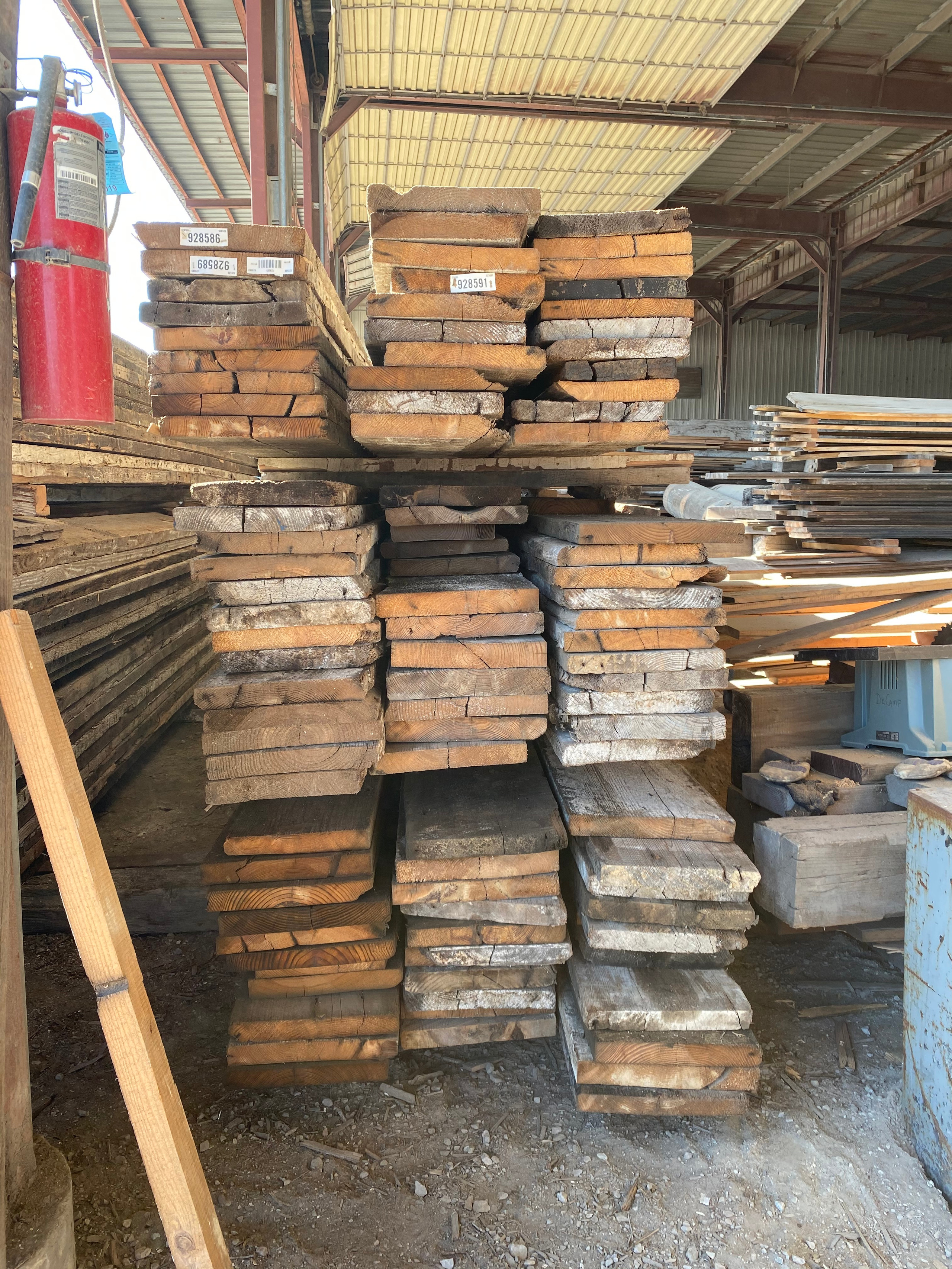 Reclaimed lumber, Southern Yellow Pine for sale.