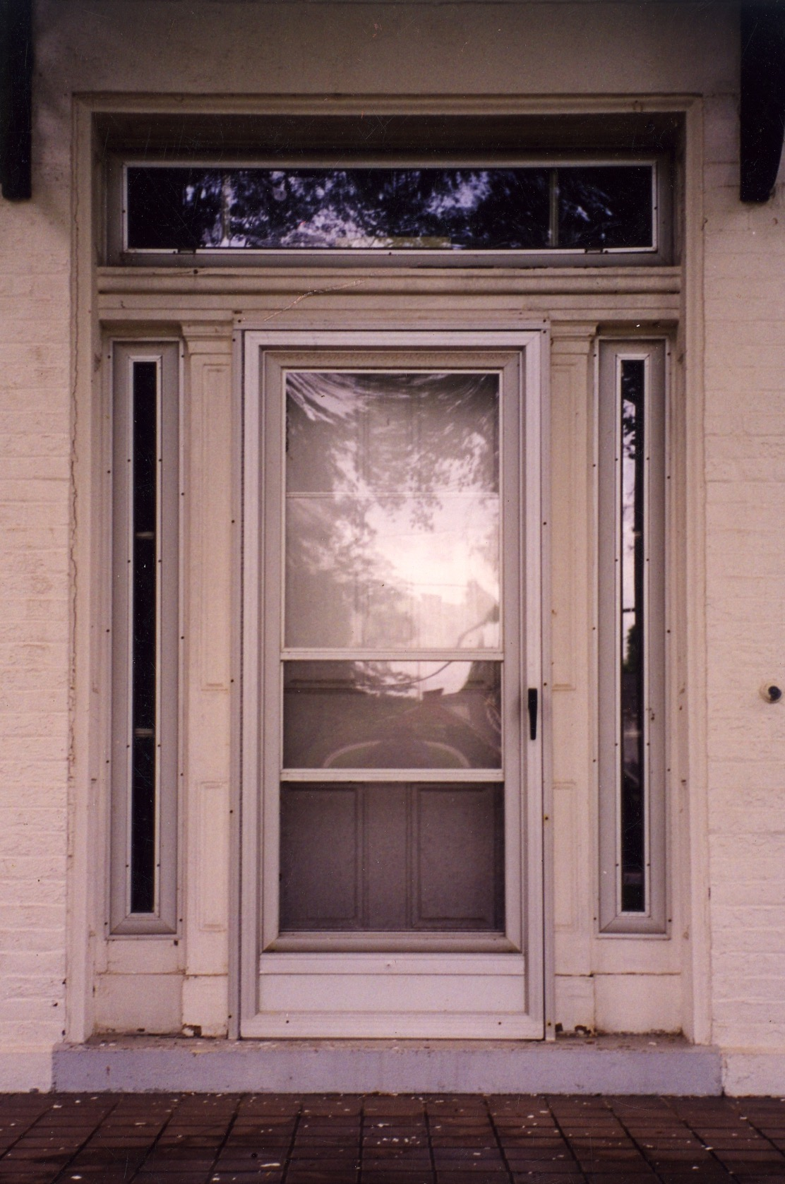 Main entry door for the Barron-Childress House that stood at 9030 Clayton Road.