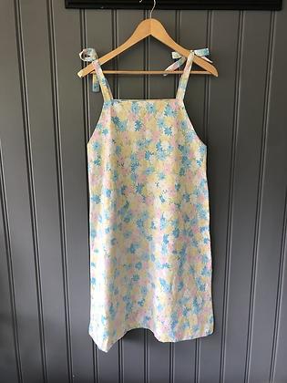 One-of-a-kind: Vintage Daisy Sheet Apron Dress