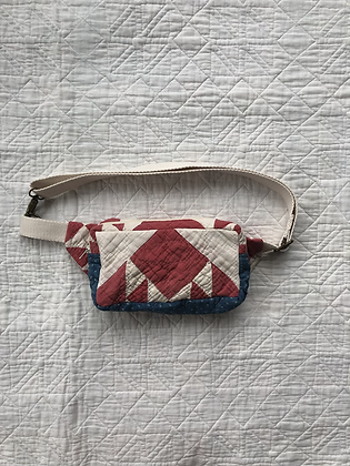 One-of-a-kind: Fox & Geese Snack Pocket