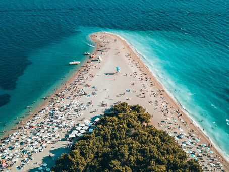 Vogue Magazine lists the best 8 beaches in Croatia 🏊‍♀️🏄‍♀️🏖️🏝️❤️🇭🇷