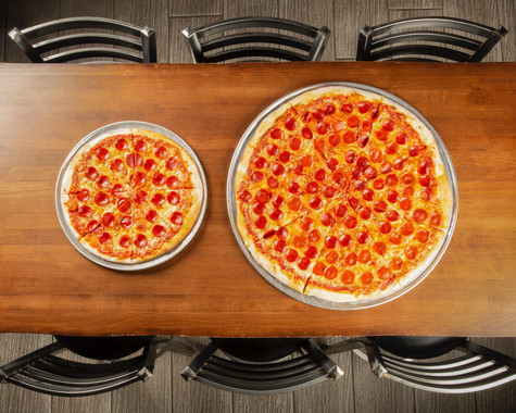 "14"" and 24"" BIG Pizza at BIGBAR"