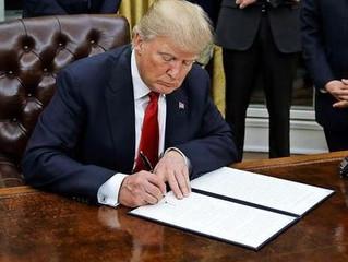 Neues Dekret: Trump setzt sich versehentlich als Präsident ab