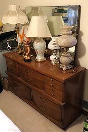 Dresser w:mirror & lamps.jpeg