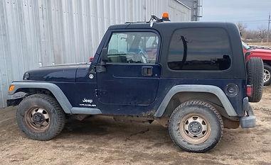 06 Jeep Wrangler.jpeg