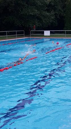 Amőba úszásoktatás