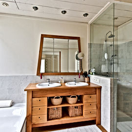 bathroom-2132342.jpg