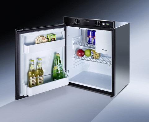 60 Ltr Dometic 3 Way Fridge/Freezer (12 Volt/ 240 Volt / LP Gas)