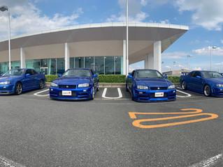 青、青、青、そして白×赤のGT-R!