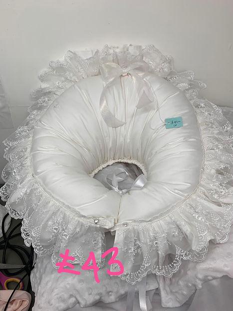 pillow2.jpg