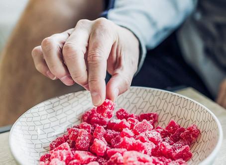 CBDオイルの正しい摂取タイミングは空腹?それとも食事とともに?