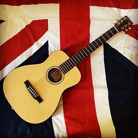 Guitare rouge british rock façon frenchy auteur compositeur interprete so british