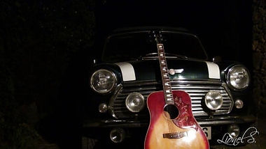 Guitare Rouge British rock façon frenchy CLIP video Waiting for you