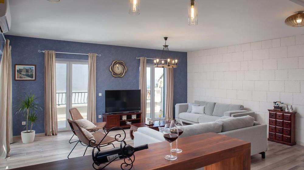 Villa Nina in Old Tucepi near Makarska in Croatia has a great living room for family vacation