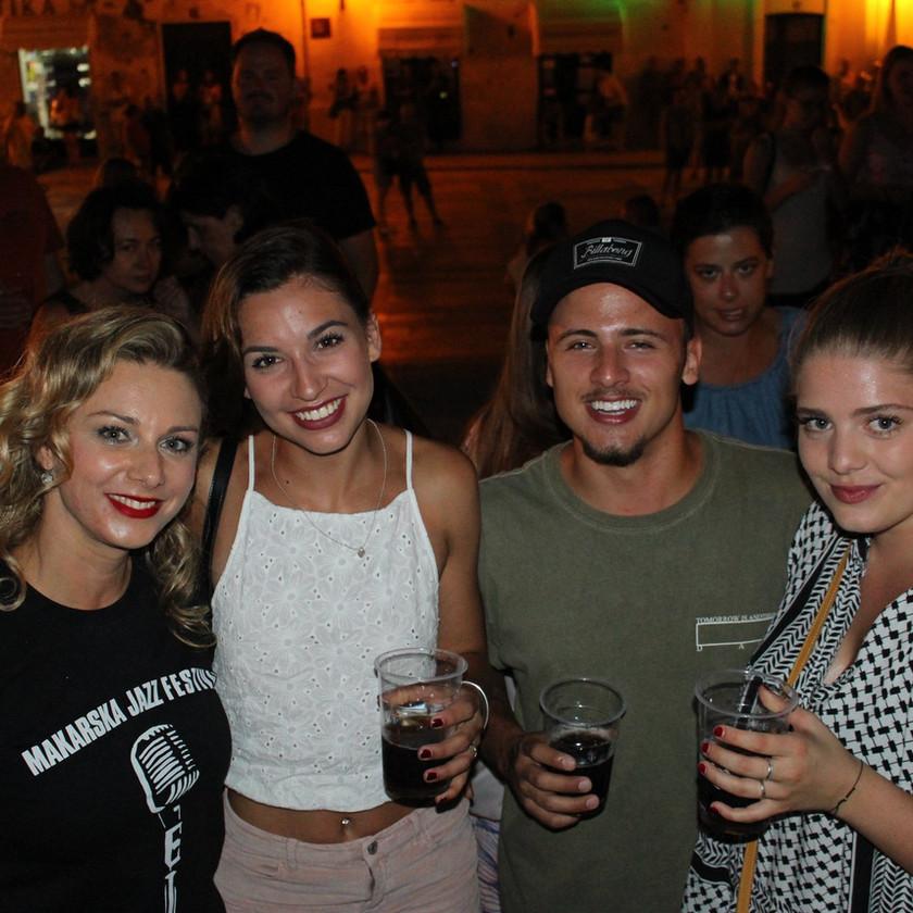 Friends enjoying drinks on the Makarska Jazz Festival