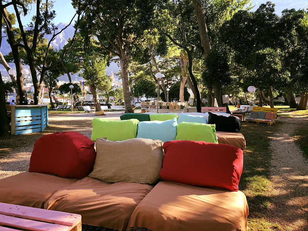 Movie screenings are done in Fra Jure Radic park in center of Makarska , Croatia