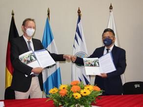 GIZ y EFPEM firman carta de entendimiento para desarrollo de Maestría en Políticas Educativas