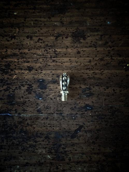 スタッズ2BAバチカン 真鍮製