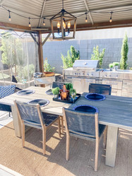 Transitional Outdoor Dinning