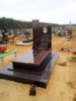 установка памятника в Волковыске