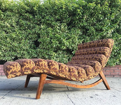 Sweet chaise lounge available in your choice of fabric !!! Come by and check it out ! Extremely comf