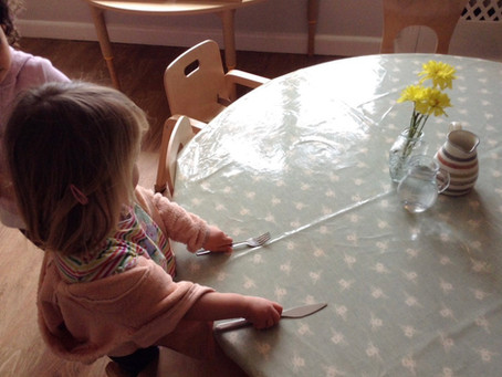 Independence at mealtimes & healthy eating