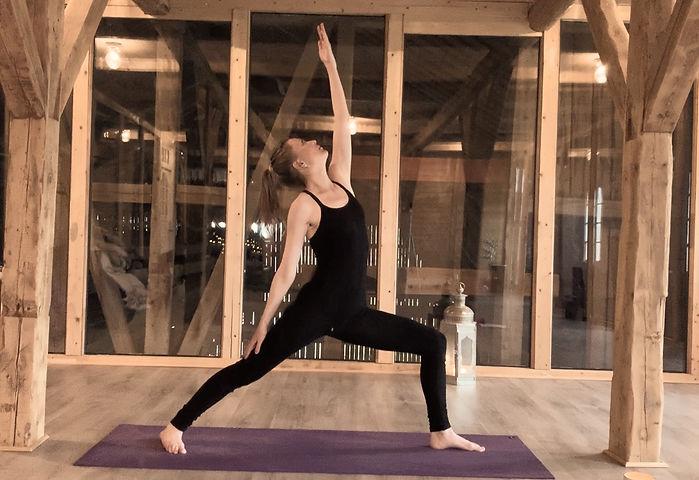 Yoga Nina 3_edited.jpg