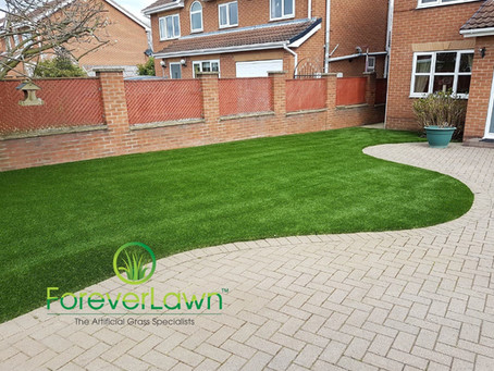 Artificial Grass: 3 Ways To Transform The Front Of Your Property