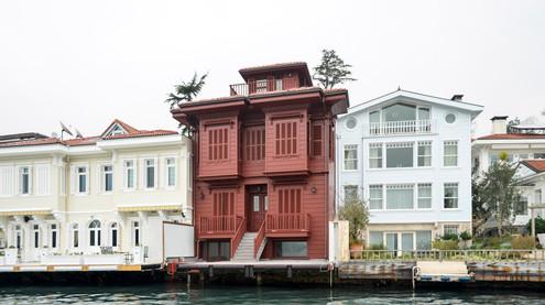 Niyazi Kaptan Waterfront Mansion
